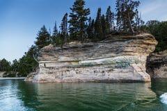 Föreställt vaggar nationalparken Michigan Arkivbild