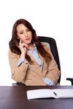 Företags affärskvinna på skrivbordet Royaltyfri Foto