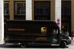 Företags bil United Parcel Service (UPS) Arkivbild