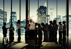 Företags diskussion för affärsfolk som möter Team Concept Arkivfoton
