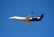 företags embraer jet lgacyen Arkivbild