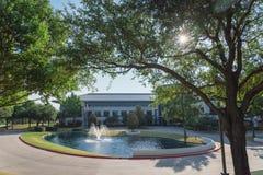 Företags högkvarteruniversitetsområde av Keurig Dr Pepper i Plano, Texa royaltyfri foto