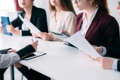 Företags jobb för rekryteringlag som hyr sökandet arkivfoton