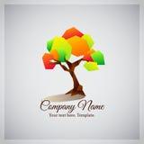 Företagsaffärslogo med det geometriska färgrika trädet Royaltyfri Bild