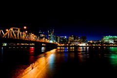 Förföriska nattljus av Portland arkivfoton