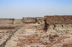 Förfalla bastioner av det Derawar fortet Bahawalpur Pakistan arkivbild