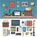 Författare- eller journalistarbetsutrymme på vit bakgrund Arkivfoton