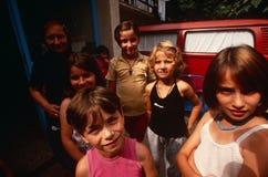 Förflyttat folk för serb internt från Kosovo, Serbia royaltyfria bilder