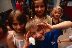 Förflyttat folk för serb internt från Kosovo, Serbia fotografering för bildbyråer