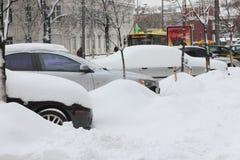 Förfrysning med bilen royaltyfri foto