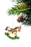 Förgrena sig färgrik liten trähourse för jul på gran med sn Royaltyfria Foton