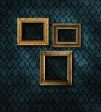 förgylld vägg för damastast ramar royaltyfri bild