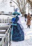 Förklädd person - Annecy Venetian karneval 2013 Royaltyfri Bild