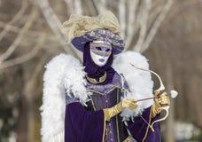 Förklädd person för kupidon - Annecy Venetian karneval 2013 Arkivbild