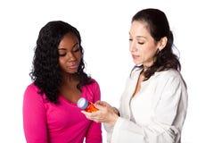 Förklaring av receptläkarbehandlingdroger arkivfoton