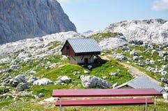förlägga i barack berg Arkivbild