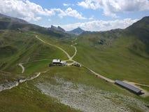 Förlägga i barack i bergen i den Bayern Österrike Tyrol Tyskland Arkivbild