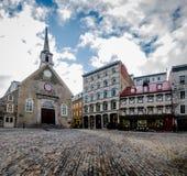 Förlägga Royale Royal Plaza, och Notre Dame des-segrar kyrktar - Quebec City, Kanada Royaltyfri Bild