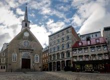 Förlägga Royale Royal Plaza, och Notre Dame des-segrar kyrktar - Quebec City, Kanada Arkivbilder