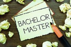 Förlage för ungkarl för ordhandstiltext Affärsidé för en avancerad grad som avslutas efter kandidatexamen royaltyfri foto