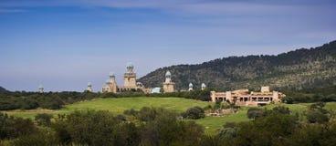 förlorad panorama- sun för stadskurs golf Arkivbilder
