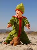 Förlorande nallebjörn för barn Royaltyfria Bilder