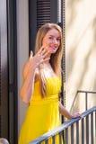 Förlovad härlig flicka Royaltyfri Bild