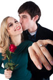 förlovningsringuppvisning royaltyfri fotografi