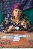 förmögenhet berättar kvinnan Arkivfoton
