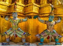 Förmyndare av Wat Phra Kaeo Temple Arkivbilder