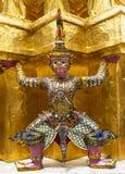 Förmyndare i Wat Phra Keaw Royaltyfri Bild