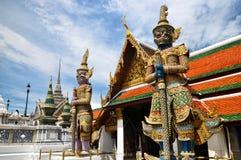 Förmyndaredemoner i den storslagna slotten Thailand Royaltyfria Bilder