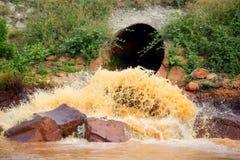 Förorenad flod Royaltyfria Bilder