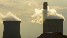 förorening för fabrik för luftbakgrund blå arkivfilmer