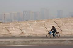 förorening för fabrik för luftbakgrund blå Royaltyfri Bild