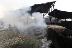 Föroreningar på den Hazaribagh garveriet av Bangladesh Fotografering för Bildbyråer