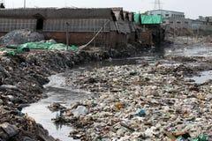 Föroreningar på den Hazaribagh garveriet av Bangladesh Royaltyfri Foto