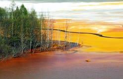 föroreningvatten Arkivfoton