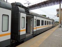 Förorts- drev till Serpukhov i den Tsaritsino stationen Arkivbild