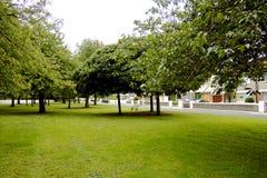 förorts- grönt avstånd Royaltyfri Fotografi