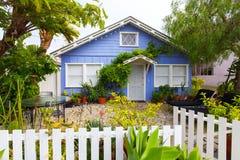 Förorts- litet hus för sikt, Los Angeles, Kalifornien, USA Royaltyfria Foton