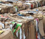 Förpacka för återvinningpapp Arkivfoton