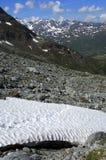 förrädisk bergsnowfield royaltyfri foto