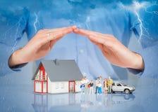 Försäkring hem- Live Car Protection Concept Royaltyfria Bilder