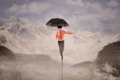 Medelförsäkringaffärsvinst balanserar utomhus- Royaltyfri Bild