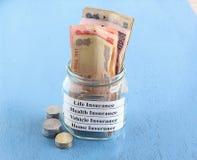Försäkringspremiebetalningbegrepp Fotografering för Bildbyråer