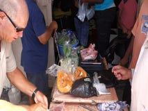 Försälja ny jordbruksprodukter på en utomhus- stall lager videofilmer