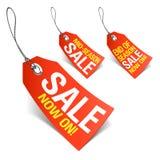 Försäljning nu på och säsongförsäljningsetiketter Royaltyfria Bilder