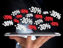 Försäljningsbefordran 20% 30% och 50% som flyger över en manöverenhet - Shopp Royaltyfri Foto