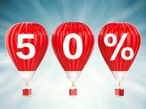 50% försäljningstecken på glödheta luftballonger Royaltyfria Foton